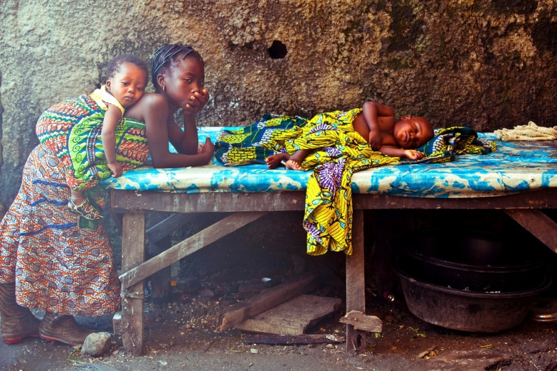 'Baby Sitting' - by Imole 'Tobbie' Balogun, Nigeria.