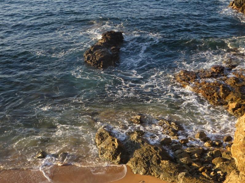 San Agustinillo Mexico Rocky Shore (1)